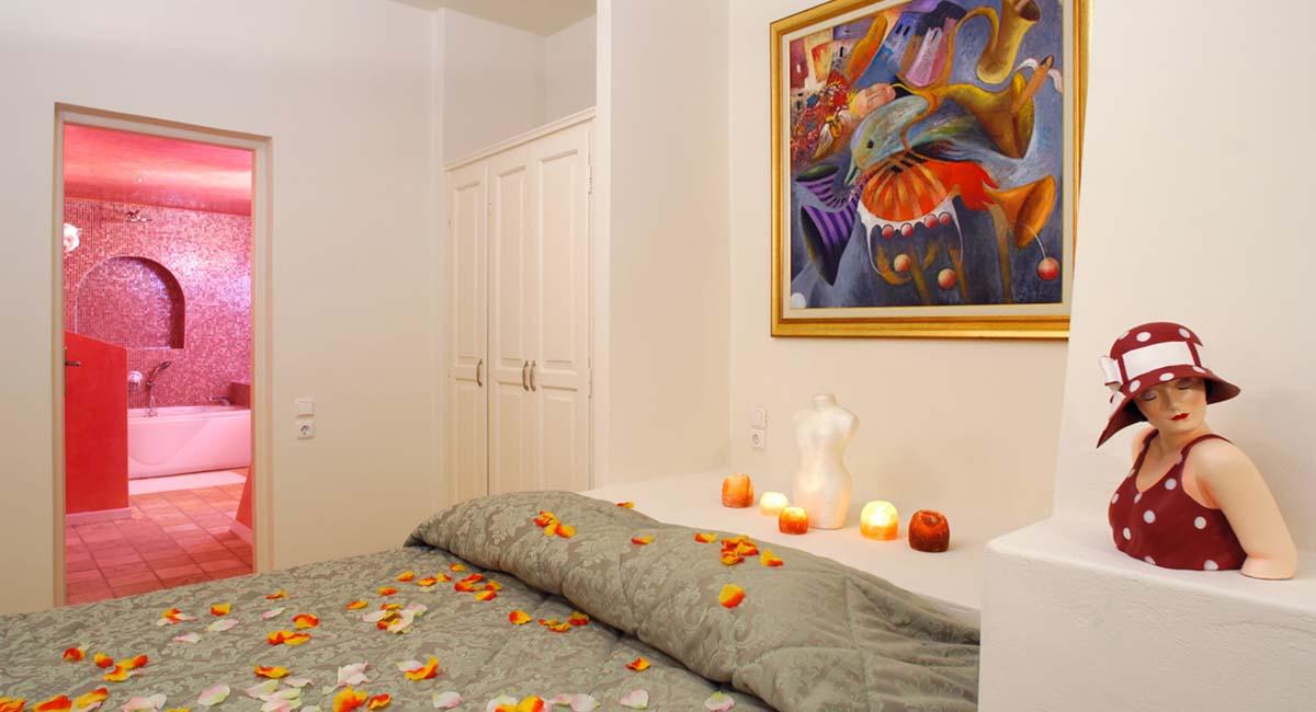 Adamis Majesty Suites