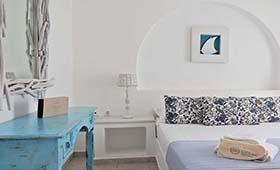 Dolphin Kastraki Studios & Apartments