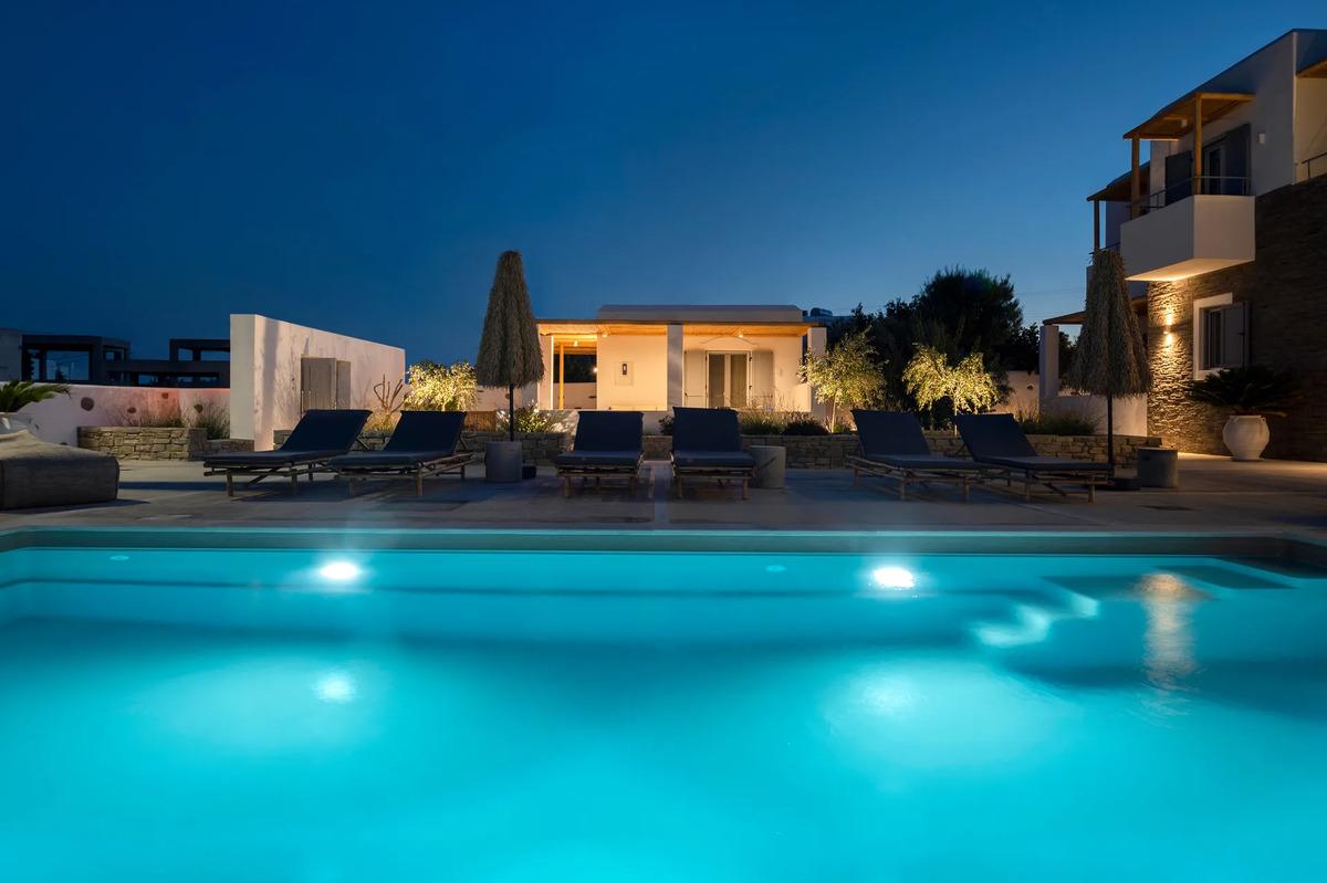Drios Luxury Studios
