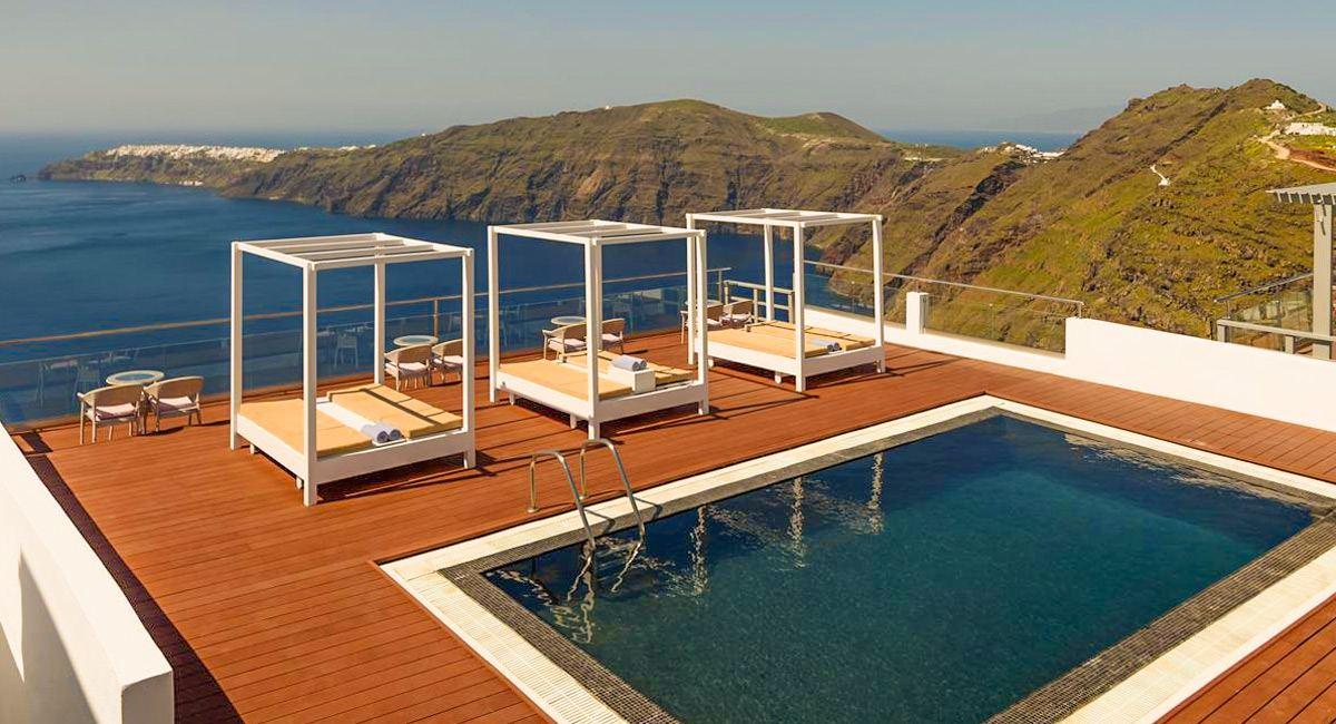 Gizis Exclusive Santorini