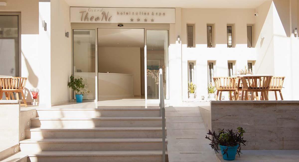 Grand Theoni Hotel