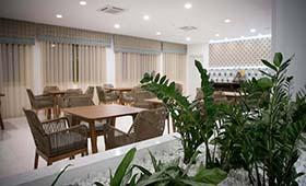 H Hotel Zephyros