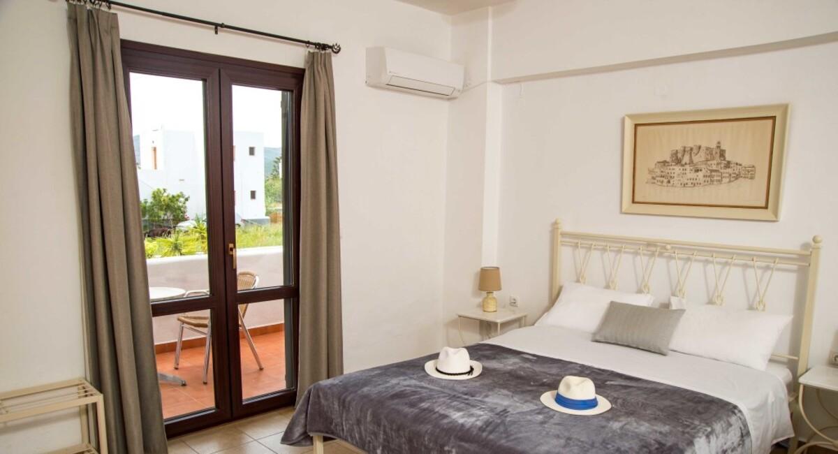 Joanna apartments Groikos Patmos