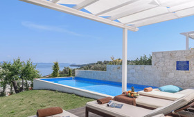 Kappa Luxury Villas (incl. auto)