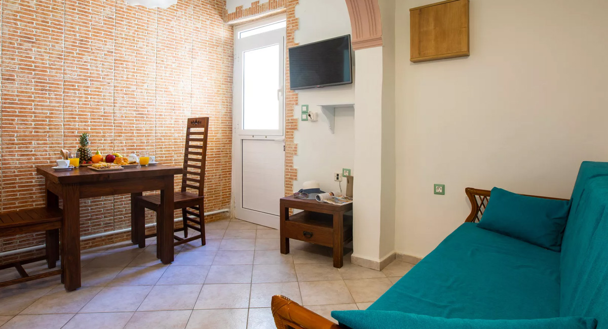 Kastro apartments Panormos