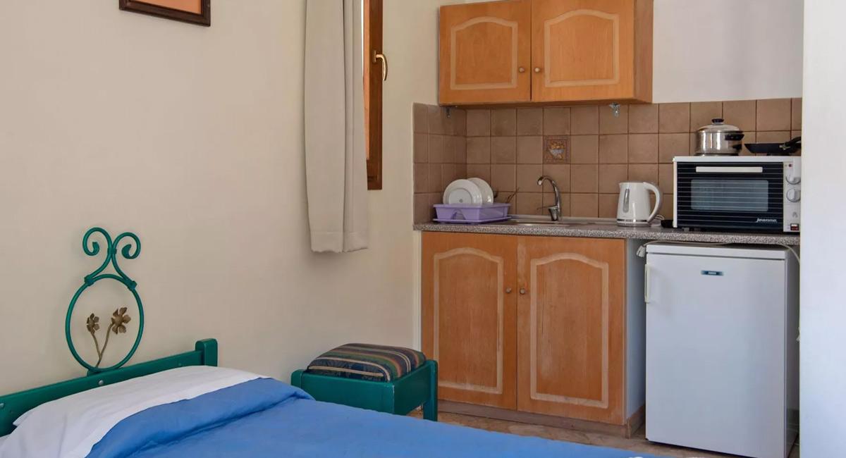 Kleoni aparthotel Tolo