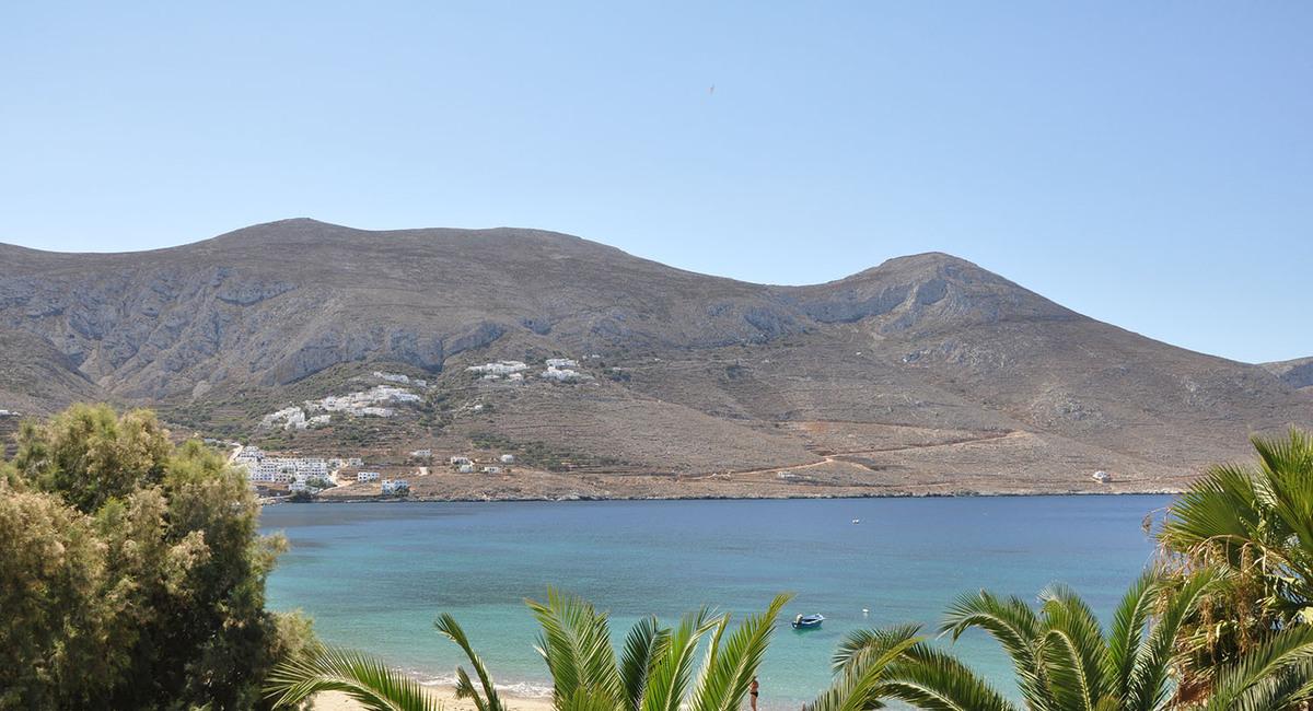 Levrossos beach apartments