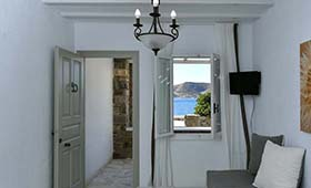 Parian Lithos (voorheen Margarita's House)