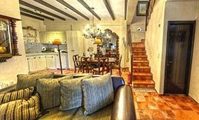 Ostra Menalon Luxury Suites (incl. auto)