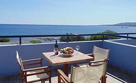 Paraktio Beach apartments (incl auto)