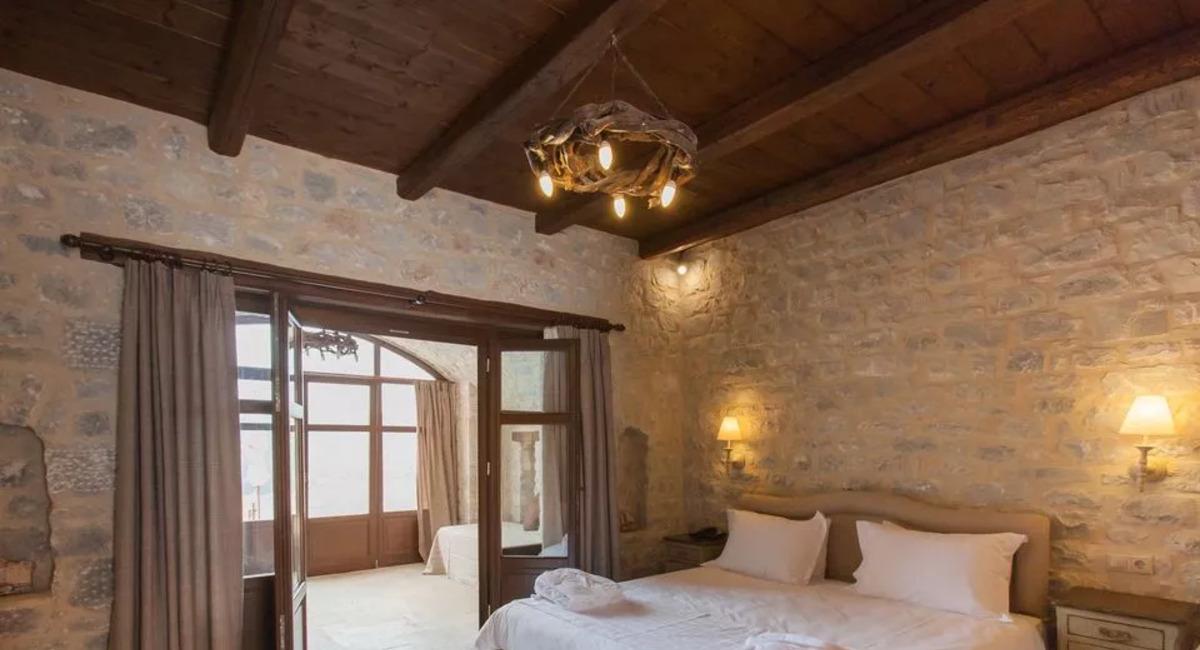Petra & Fos Hotel