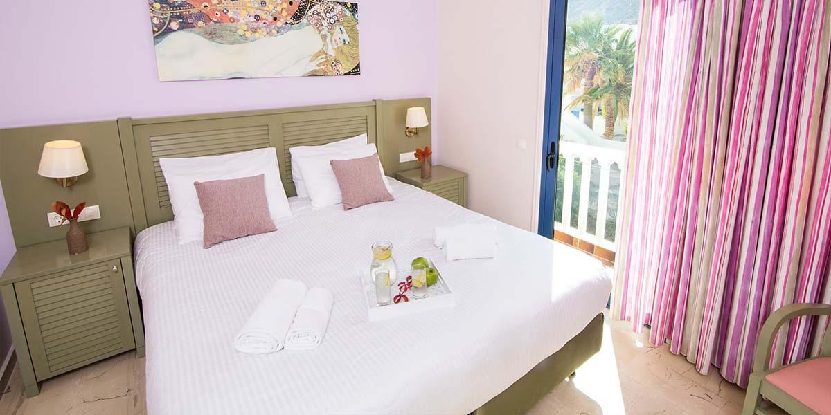 Sunshine Hotel Santorini