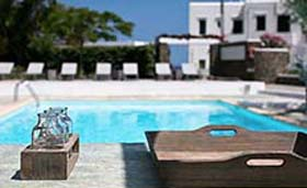 Verina Suites & Pool Bar