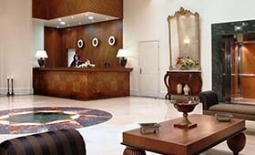 Volos Palace Hotel (incl. auto)
